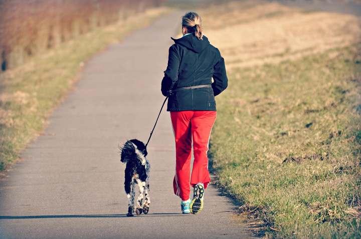 como caminar para quemar más grasa y adelgazar