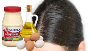 Mascarilla casera de mayonesa, aceite de oliva, y huevo para el cabello graso